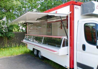 3-Achs Marktverkaufsmobil Kühltheke