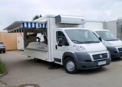 Kühlthekenmobil mit großer Kühlbevorratung