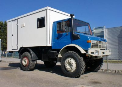 Campingkoffer auf MB Unimog